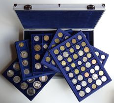 The Netherlands and miscellaneous - collection of various coins and medals (± 150 pieces) in a coin case