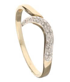 14 Kt yellow gold ring set with 5 brilliant cut diamonds of approx. 0.025 ct in total, in a white gold setting - 1.5 grams - 18.75 mm