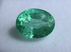 Green Emerald - 6.39 ct