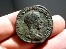 Roman Empire -  Gordian III (238-244 A.D.) bronze sestertius ( 20,03 g,. 29 mm.) Rome mint. 238-239 A.D. SALVS AVG