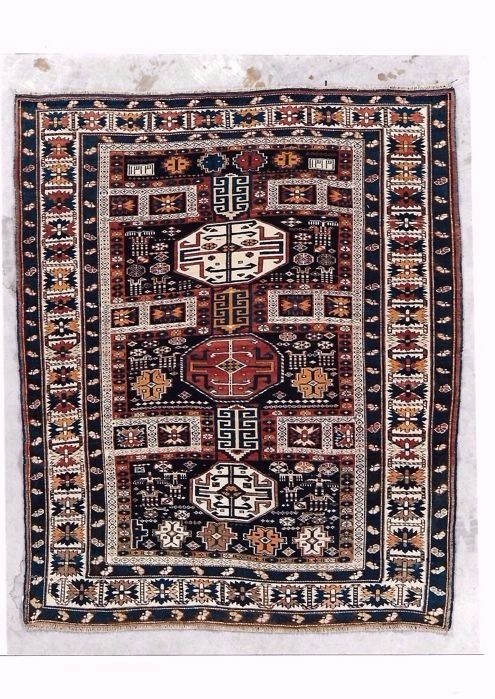 Caucasian hand-knotted rug from Shirvan Kuba Kabistan. Dimensions: 180 x 148 cm, Caucasia, 1895