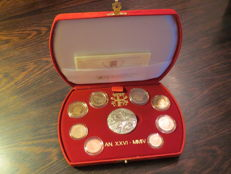 Vatican – 2004 proof divisional coin series (includes silver).