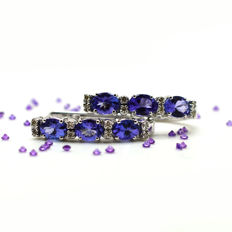 18 kt gold earrings with tanzanite and diamonds totalling 2.35 ct – no reserve –