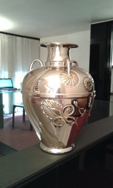 Vase in silver 800 with gold laminated inserts, by Etruria, Italy