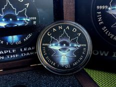 Canada - 5 Dollars 2017 'Maple Leaf UFO' Glow in the Dark - 1 oz Silver