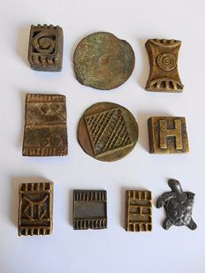 Lot with 10 figurines and weights - ASHANTI - Ghana