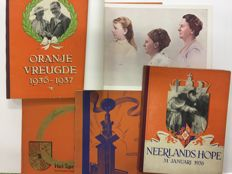 Lot with five books about the Royal Family - 1937/1938