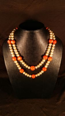 Round beads freshwater pearls and Coral necklace, length ca. 50 cm, 200 grams