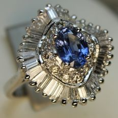 Ring in 750/1000 white gold with Sapphires and Diamonds