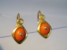 Victorian gold earrings with genuine salmon coral