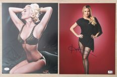 Signed; Lot with 2 pictures of Kristin Chenoweth and Kate Hudson-2010/2014