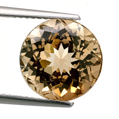 Champagne topaz – 7.02 ct – no reserve price.