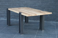 Kris Devillé – Industrial side table in solid oak and steel