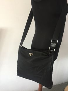 Prada – messenger bag – no reserve price