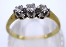 18K Yellow Gold Trilogy ring - Old Cut Diamonds, 3 Diamonds 0.35 CT VS2H