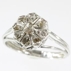 Retro white gold flower diamond ring - anno 1950