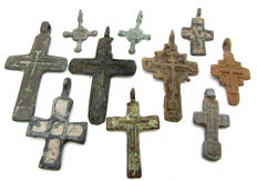 Very Fine Selection of 10 Medieval / Post Medieval Cross pendants  (10)