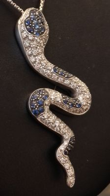 Chain with 18 kt white gold pendant – Diamonds and Sapphires totalling: 3.00 ct.