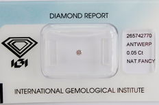 Natural Fancy Pink Diamond 0.05 ct  with IGI cert *** no minimum price***
