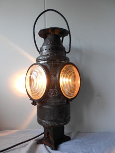 "Adlake Chicago ""Non Sweating"" railway lamp, 1907"