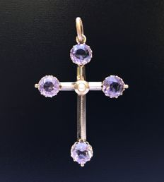 19th Century romantic pendant in 18 kt rose gold adorned with amethysts (2.8 ct) and a central fine pearl