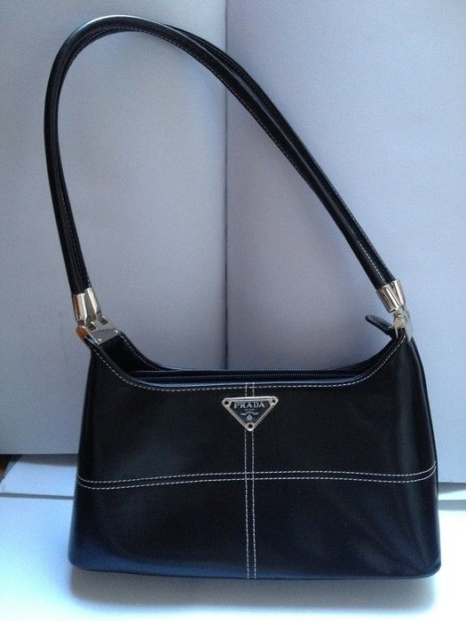Prada - Leather Shoulder Bag. - Catawiki 2ae4131e4eda8