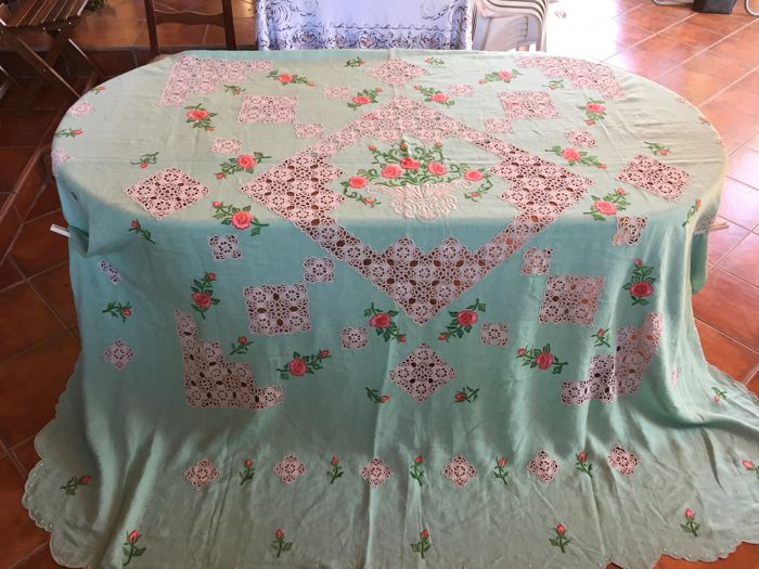 Antique embroidered linen bedspread, Sicily early 900s