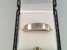 18 karat yellow gold ring with brilliant cut diamonds, 0.36 ct, ring size 17/53
