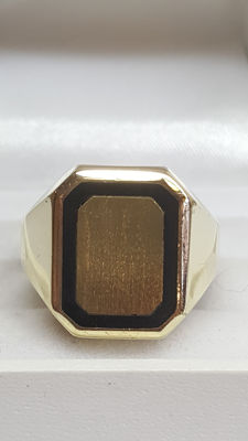 14 kt yellow gold men's signet ring – size 20
