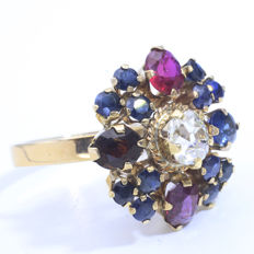 14  kt gold entourage ring with Bolshevik diamond, 0.75 ct, I –  Si1.