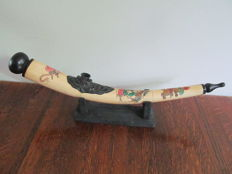 Large Chinese opium pipe made of bone, hand painted - China - 2nd half of 20th century.