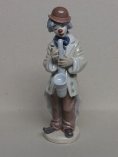 Lladro - porcelain 'Clown met saxophone' sculpture no. 5471
