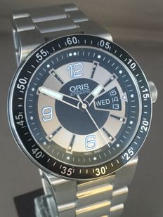 Oris — Williams F1 Team Day-Date Men's Automatic Watch — Men — 2011-present