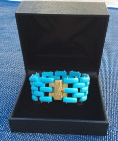 Bracelet made of baguette shaped turquoise and 18 kt yellow gold. Hand-made, length: 18 cm, width: 2.5 cm, total bracelet weight: 33 g