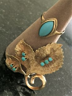 Leaf-shaped yellow gold brooch with turquoise & 750/18 kt gold ring – with turquoise