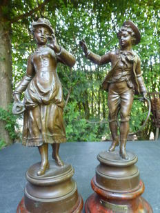 Jeux de l'enfance - Two playing children in bronzed zamac - France - ca. 1900