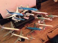 Collection of model airplanes, 12 pieces