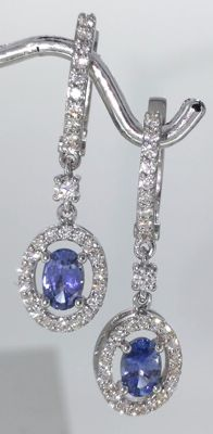 Earrings with sapphire 1.10cts and 56 brilliant cut diamonds totaal 0.55 ct - Length 3 cm