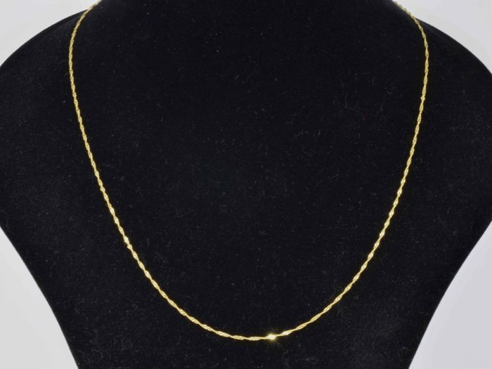 18k Gold Necklace. Chain Singapore. Length 49.5 cm.