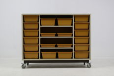 EROMES – Industrial design cabinet with wheels, with containers which slide out.