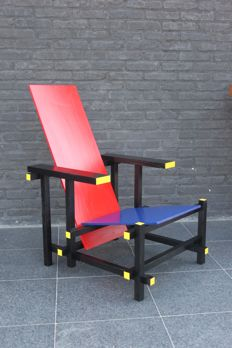 Gerrit Rietveld for Cassina – red/blue chair