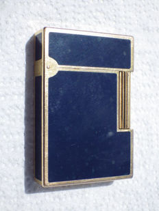 Blue Chinese lacquer and gold plated - ST Dupont gas lighter - mid 20th century