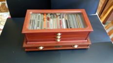 Large display case for fountain pens