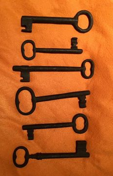 A lot of six important old spanish iron keys 16th to 18th Century