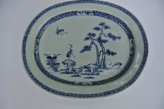 Oval porcelain tray with crane decoration - China - 18th century