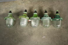 Set of 5 green cast iron bully lamps