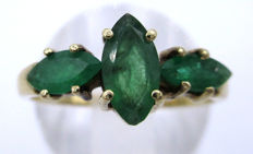 14K Yellow Gold Trilogy Ring 1961 - Natural Emerald heavy 3.20 grams *** No Reserve Price ***