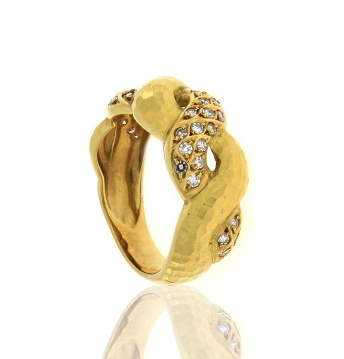 Diamond ring with 28 diamonds for a total of 2.52 ct. Size: 17/18
