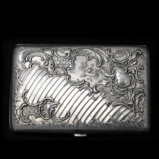 Elegant Art Nouveau German Solid Silver Cigarette Case