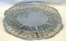 Vintage silver plate flat fruit / bonbon dish, Made in England ca.1930
